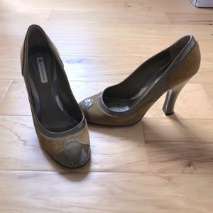 Burberry suede and patent closed toe pumps